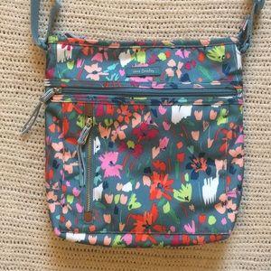 ✨NEW✨ Vera Bradley Travel Ready Crossbody - Floral